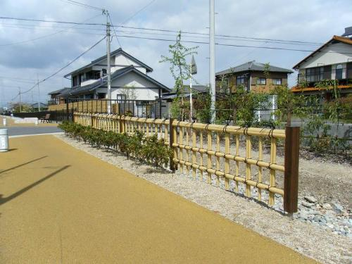 羽島用水整備(岐南地区) 擬竹フェンス