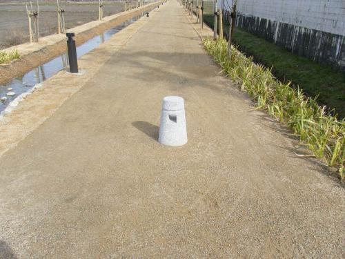 羽島用水整備(各務原地区) 擬石車止め