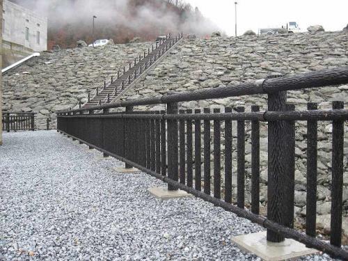 徳山ダム(提体) 転落防止柵